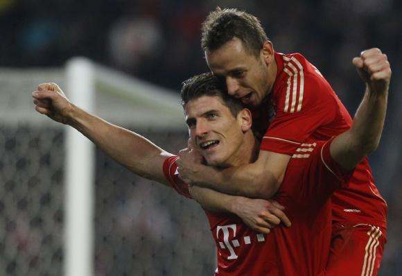 """Abu įvarčius """"Bayern"""" klubui pelnė Mario Gomezas."""