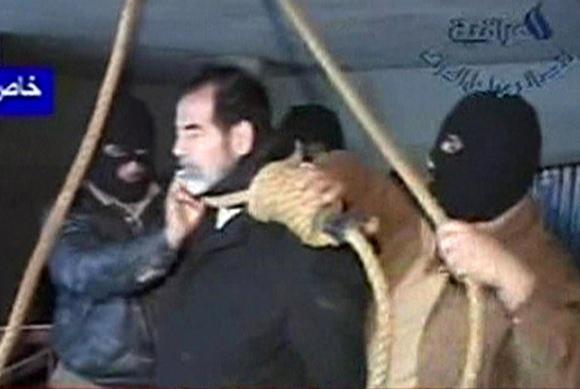 Saddamas Husseinas prieš jį pakariant (2006 gruodžio 30 d.)