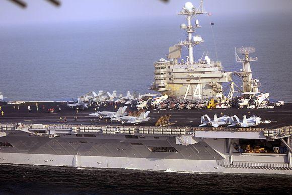JAV lėktuvnešis Ormūzo sąsiauryje