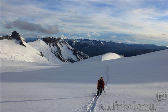 MM alpinistų nuotr./Aras anopuoja ia paskos