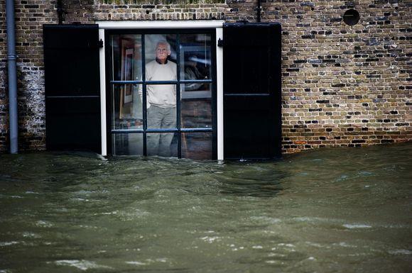 Nyderlandų šiaurinėje žemutinėje dalyje siaučia potvyniai