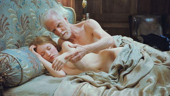 """Filmas """"Miegančioji gražuolė"""""""