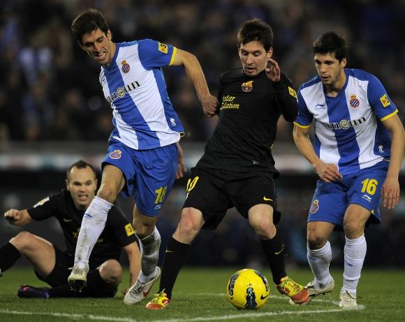 Lionelis Messi (su kamuoliu)