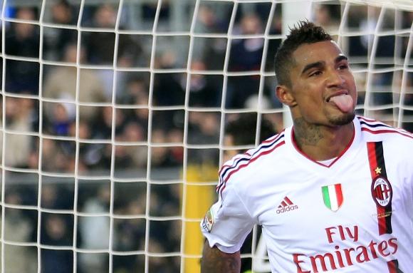 """Kevinas-Prince'as Boatengas džiaugiasi įvarčiu ir """"Milan"""" pergale."""