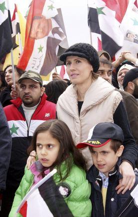 """""""Scanpix"""" nuotr./Sirijos diktatoriaus žmona Asma su savo dviem vaikais"""