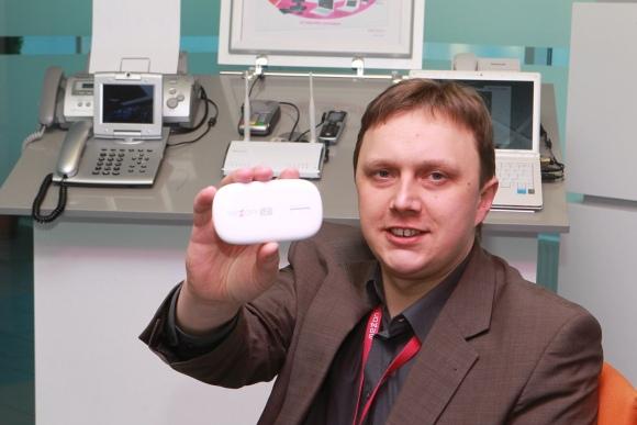 """M.Kuprys prognozuoja, kad ateityje žmonės """"laidinį"""" internetą keis mobiliuoju."""