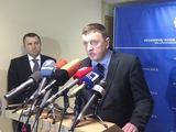 """Juliaus Kalinsko/""""15 minučių"""" nuotr./Buvęs FNTT vadovas Vitalijus Gailius (dešinėje) ir jo pavaduotojas Vytautas Giržadas (kairėje)"""