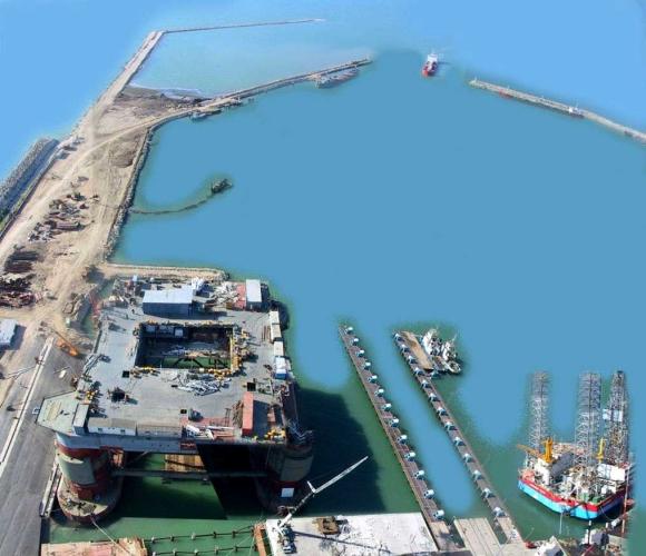 Iranas paskelbė nutraukiąs naftos eksportą į Prancūziją ir Didžiąją Britaniją.