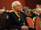 Alfredo Pliadžio nuotr./Viktoro Aamensko 100 metų jubiliejaus paminėjimo akimirka Vilniaus rotuaėje