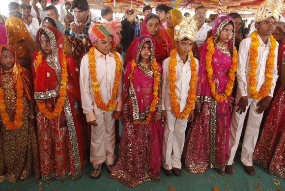 Reuters/Scanpix nuotr./Vaikų sužadėtuvių ceremonija