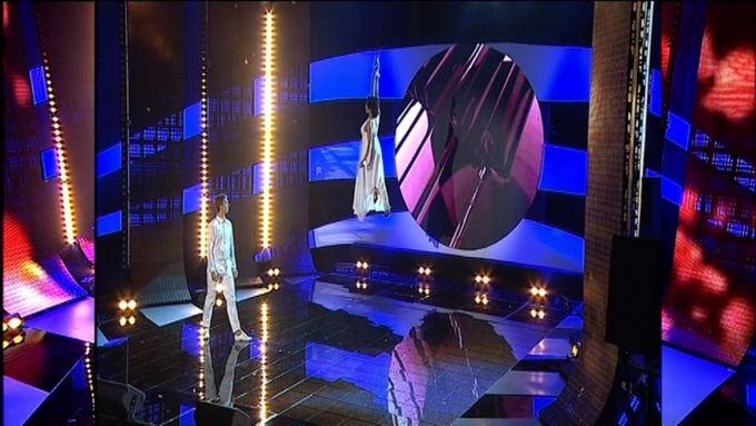 LNK nuotr./Irena Starošaitė scenoje ryžosi cirko triukui