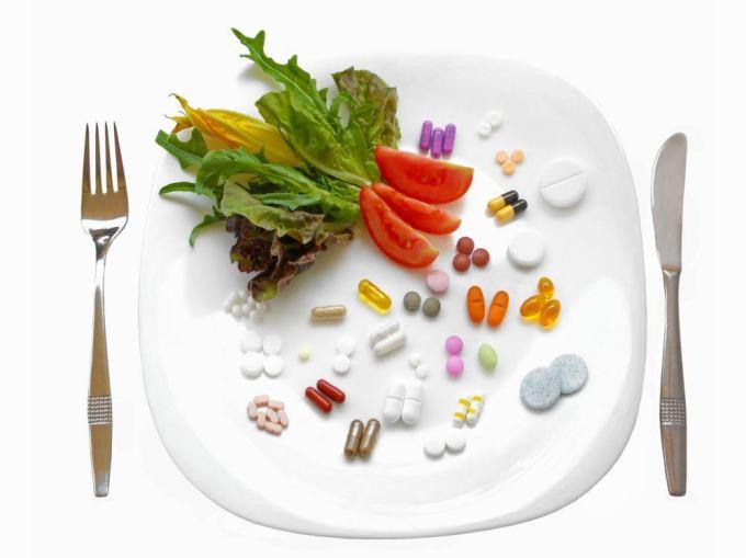 Fotolia nuotr./Sveikas maistas prieš tabletes