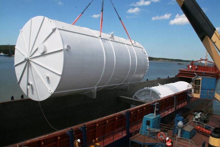 """""""Klaipėdos keleivių ir krovinių terminale"""" pagamintos talpyklos viena Norvegijos žuvies pramonės įmonei."""