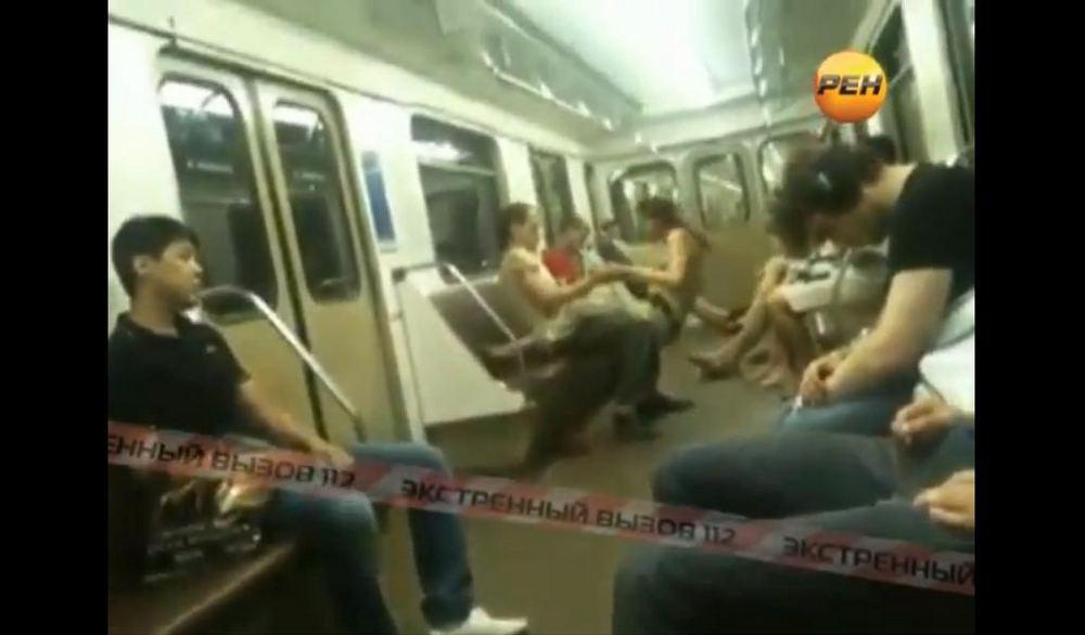 Заняться сексом в метро