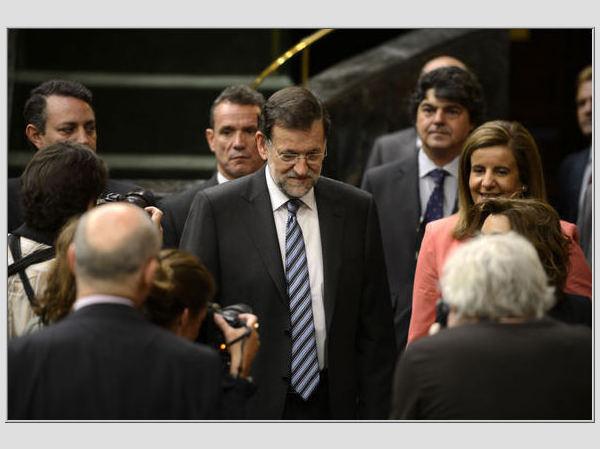 Ispanijos premjeras Mariano Roy atvyko į Ispanijos parlamentą.