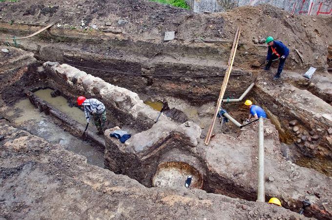 Irmanto Gelūno/15min.lt nuotr./Bernardinų sode vykstantys archeologiniai kasinėjimai pateikė staigmenų.