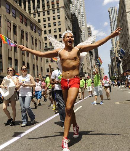 """AFP/""""Scanpix"""" nuotr./Gėjų paradas Niujorke"""