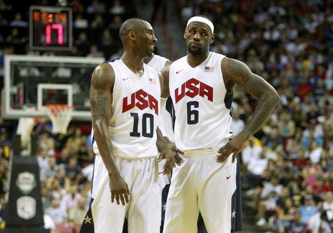 Reuters/Scanpix nuotr./Kobe Bryantas ir LeBronas Jamesas