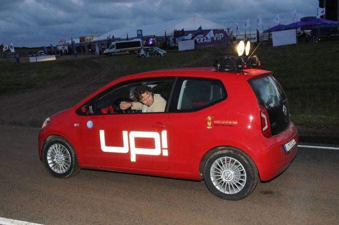 Algimanto Brazaičio nuotr./Vitoldas Milius su Volkswagen Up!