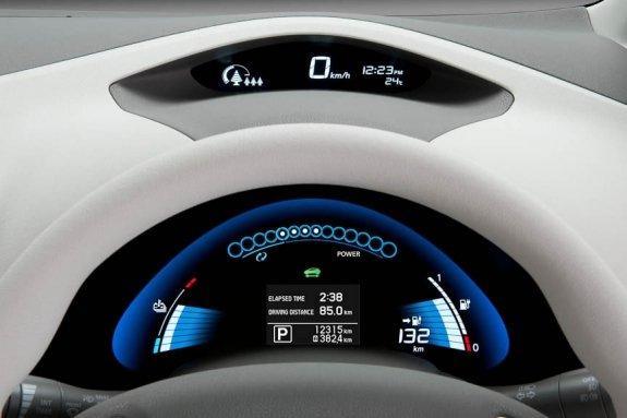 Nissan Leaf spidometras