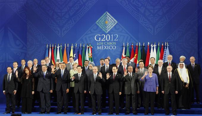 Reuters/Scanpix nuotr./Aukačiausio lygio susitikimuose ypač griežtai paisoma aprangos kodo.