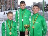 Po pirmosios bokso treniruotės Evaldas (mažiausias) kartu su broliu Arvydu (pirmas iš dešinės)