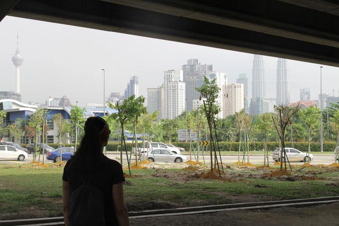 Evelinos ir Karolio nuotr./Poros valandų ėjimas pro Kuala Lumpūro rajonus centro link