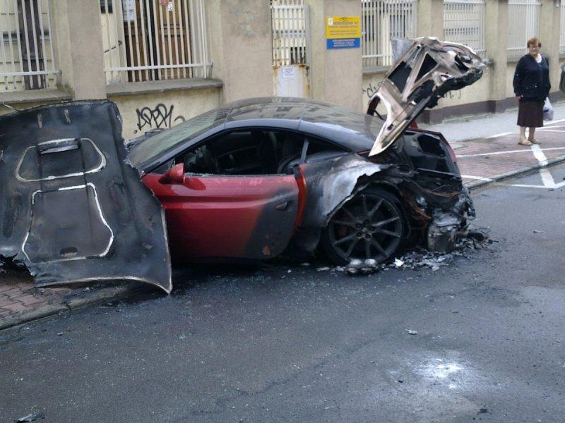"Varšuvos centre sudegęs ""Ferrari California"""