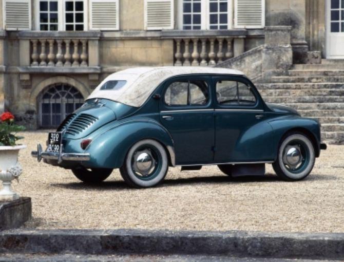 Gamintojo nuotr./Renault 4 CV Decouvrable