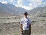 Ernesto Markaaičio asmeninio archyvo nuotr./Ernestas Nanga Parbat (8125 m) fone. `is kalnas yra vienas pavojingiausių pasaulyje, jis pramintas kalnu žudiku. Tikras kalno pavadinimas reiakia Nuogas kalnas.