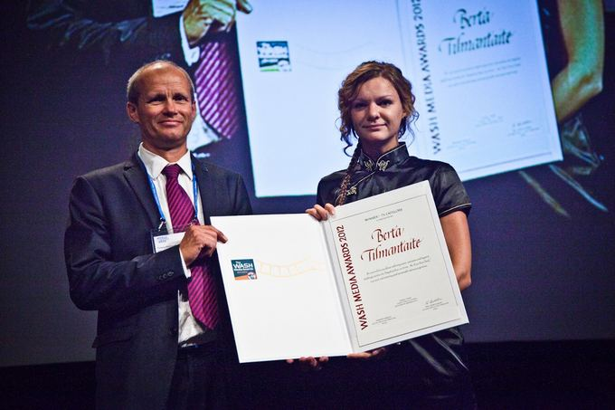 Mykolo Vadiaio nuotr./B.Tilmantaitei įteiktas garbingas apdovanojimas