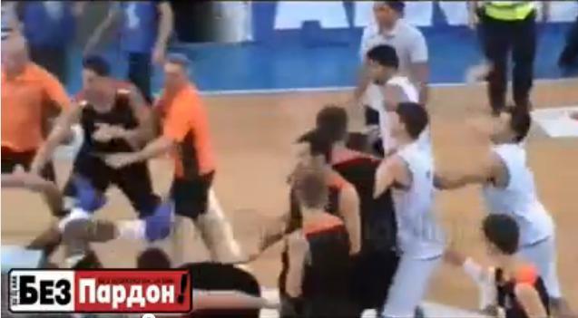 """Draugiškos rungtynės Makedonijoje tarp Skopjės """"MZT Skopje"""" ir Čerkasų """"Monkeys"""" iš Ukrainos baigėsi ne itin draugiškai"""