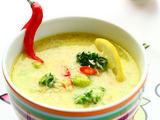 Fotolia nuotr./Kokosų ir garbanotųjų kopūstų sriuba su imbierais