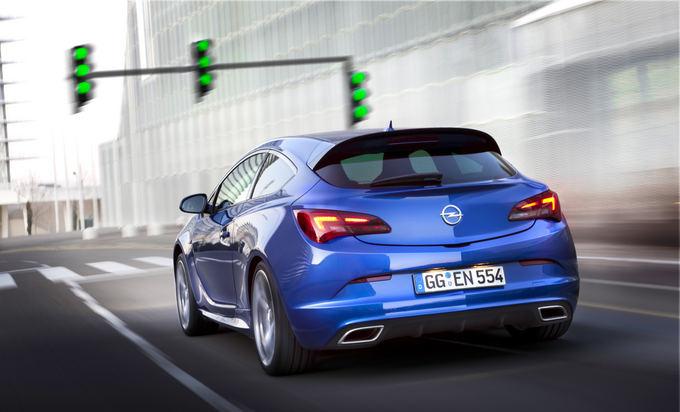 Gamintojo nuotr./Opel Astra OPC
