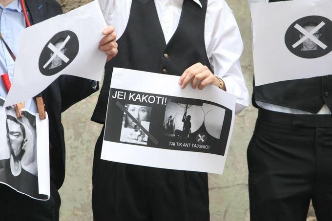 Juliaus Kalinsko/15 minučių nuotr./No theatre  ir Vido Bareikio protestas priea vieną ia svarbiausių teatro festivalio Sirenos svečių