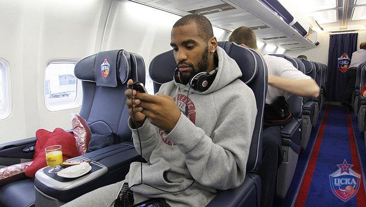 Maskvos CSKA ekipa skraido nauju lėktuvu