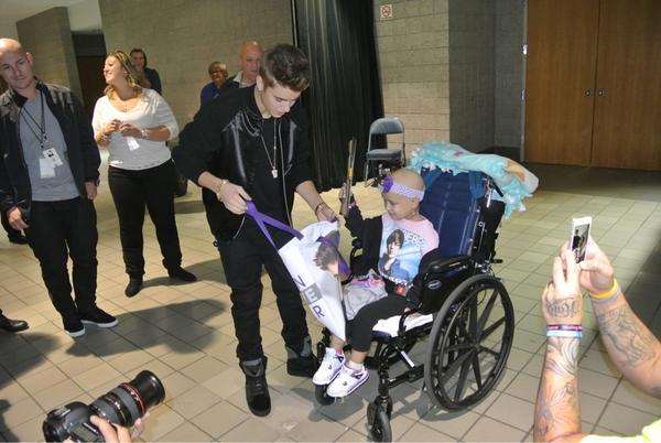 Twitter nuotr./Justinas Bieberis su 4-mete Hailey Roser