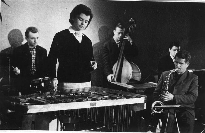 """J.Snieakos archyvo nuotr./""""Tulip"""" later became Lithuanian Radio and Television band: Vaičekauskas (percussion), Tiakuvienė-Rekienė (xylophone), Berkus (bass), Borisevičius (saxophone), Grabatas (keys)."""
