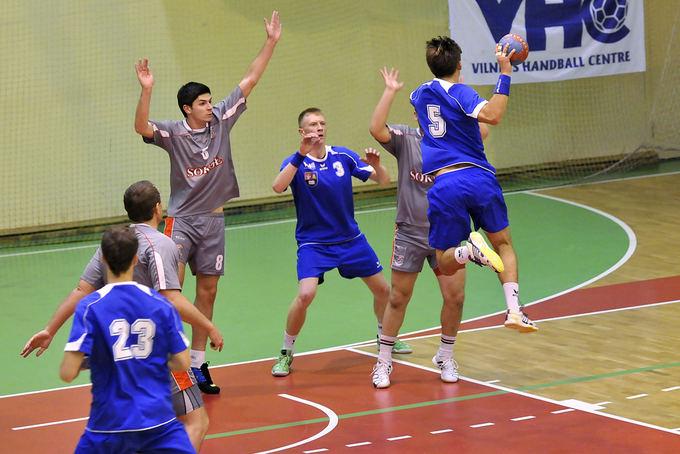 """sportoakimirka.lt/Lietuvos rankinio čempionate sostinės """"Šviesa VHC"""" įveikė Šalčininkų """"Sokol"""" 38:28"""