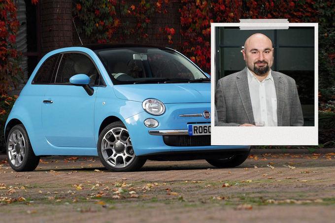 GAZAS.LT montažas/G.`apiro-Bilas vairuoja Fiat 500