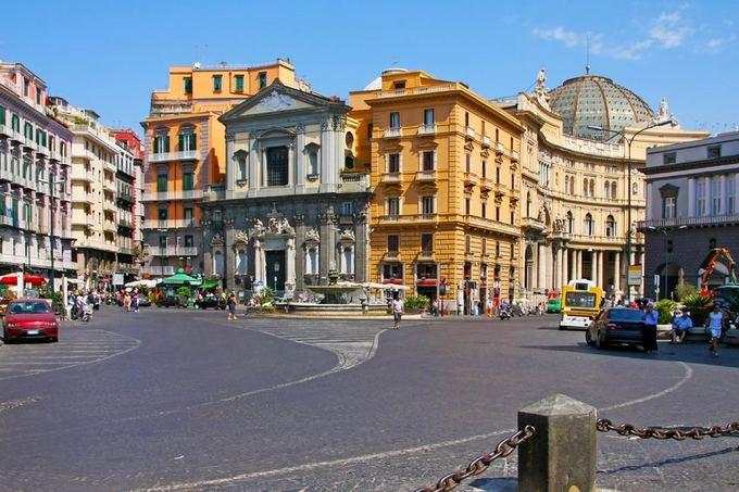 123rf.com nuotr./Neapolio gatvė ir architektūra