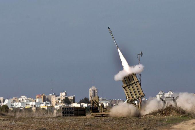 """AFP/Scanpix nuotr./Izraelio priešraketinės gynybos sistema """"Geležinis kupolas"""" vadinama pažangiausia pasaulyje."""