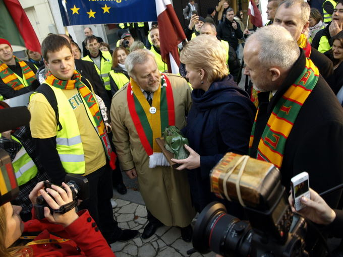 Dalios Plikūnės nuotr. /Baltic farmers came to Brussels to demand equal pay.