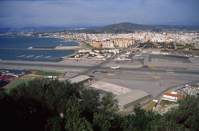 Gibraltaro oro uosto