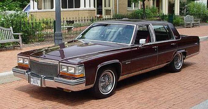 Gamintojo nuotr./Cadillac Fleetwood V 8-6-4