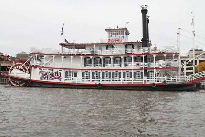 Evelinos ir Karolio nuotr./Senovinis garlaivis Ilinojaus upėje