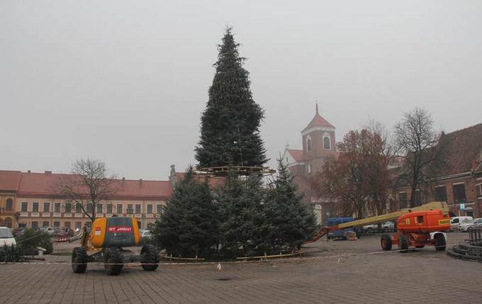 Energijos kodo nuotr./Kaune statoma Kalėdų eglutė