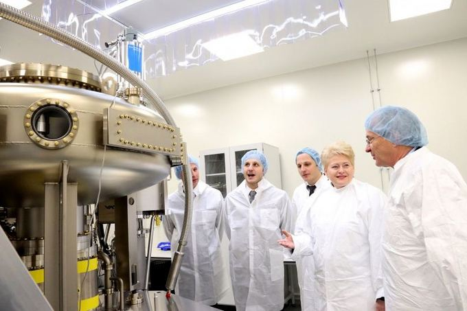 Prezidentūros nuotr./Lazerinių technologijų įmonės Brolis Semiconductors atidaryme dalyvavo Lietuvos prezidentė Dalia Grybauskaitė.