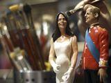 Reuters/Scanpix nuotr./Italijoje jau sukurta nėščios Catherine ir Williamo figūrėle.