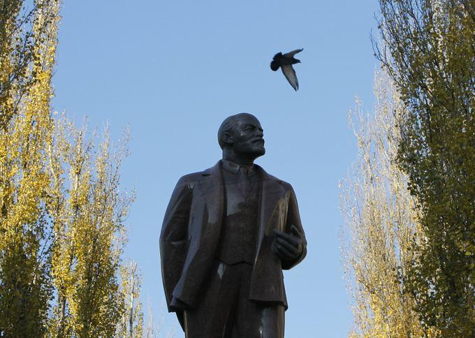 Reuters/Scanpix nuotr./Lenino statula Kijeve